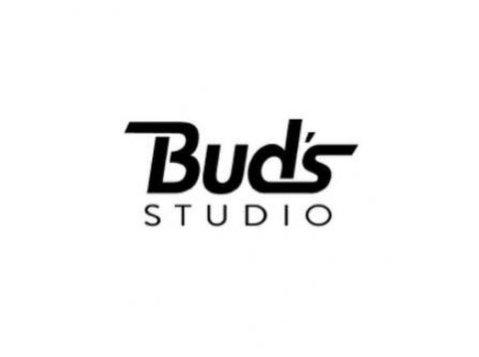 Bud's Studio - Photographers