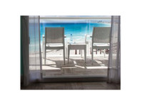 Bay Area Sliding Door Repairs (2) - Home & Garden Services