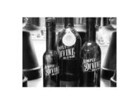 Simply Divine Oil & Wine (1) - Wine