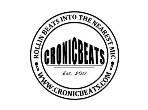 Jason Szklarek, Cronicbeats - Music, Theatre, Dance