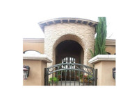 Fence Builders of Arizona (3) - Construction Services
