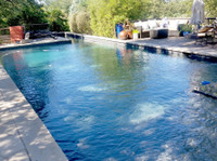 Pool Cleaning Irvine (1) - Swimming Pool & Spa Services