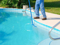 Pool Cleaning Irvine (3) - Swimming Pool & Spa Services