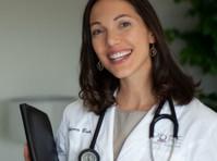 Pure Family Medicine: Rebecca Bub, Do (2) - Doctors