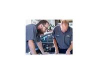 Rallye Coach Works (3) - Car Repairs & Motor Service