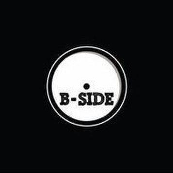 B-side - Baarit ja oleskelutilat
