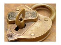 Coconut Grove Pro Locksmith (3) - Security services