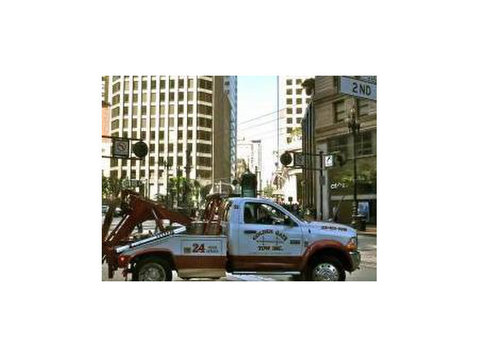 Atlanta Wrecker - 24 Hour Towing Service - Car Transportation