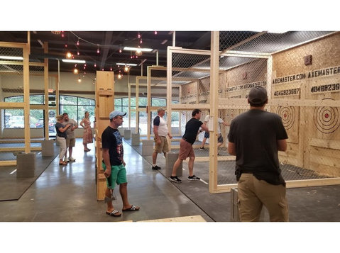 Best Axe throwing centre in Atlanta - Games & Sports