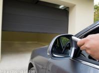 Griffin Garage Door Repair (1) - Home & Garden Services