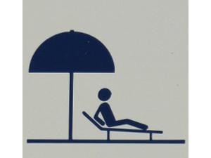 Alaka'i Pool Deck - Swimming Pool & Spa Services