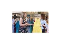 Mes Amies Naperville's Dress Boutique (2) - Clothes