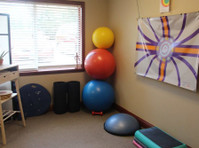 Red Rock Physical Therapy & Wellness (4) - Hospitals & Clinics