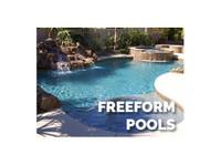 Xterior Creations Pools & Spas (2) - Swimming Pools & Baths