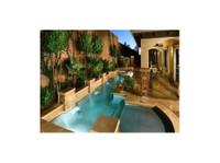 Xterior Creations Pools & Spas (3) - Swimming Pools & Baths