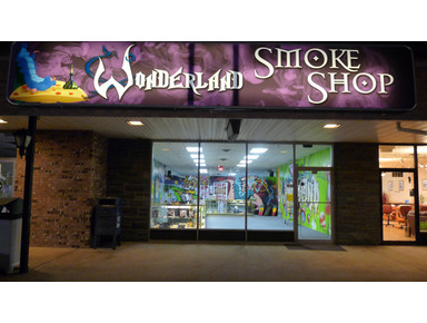 Smoke Shop, Head Shop in Hasbrouck Heights | WonderlandNJ - Bars & Lounges