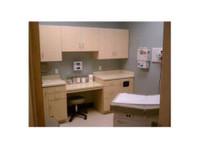 AFC Urgent Care Paramus (2) - Hospitals & Clinics