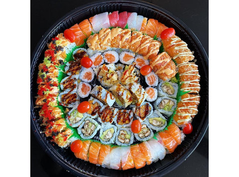Sushi Sushi - Food & Drink