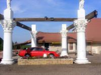 Free Breakfast Inn (1) - Hotels & Hostels
