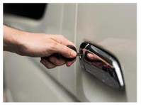 Thunder Garage Door & Locksmith Services (2) - Home & Garden Services