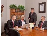 Hutton Law PLLC   Divorce and Custody Lawyer (3) - Asianajajat ja asianajotoimistot