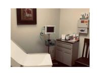 Sana Vida Wellness Center (2) - Doctors