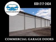 New Braunfels Garage Door Repair (2) - Windows, Doors & Conservatories