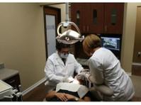 Blanco Crossing Dental (3) - Dentists