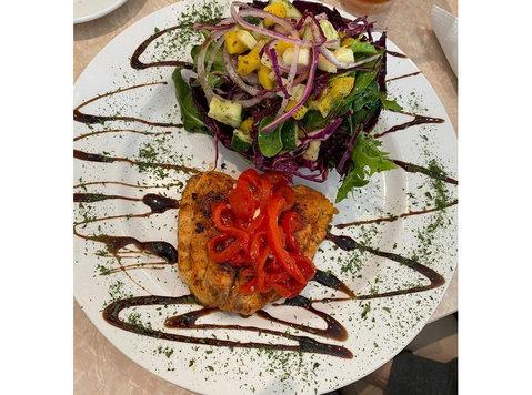 Jorgio's Bistro - Restaurants