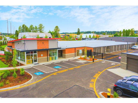 Federal Way Supreme Self Storage - Storage