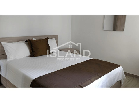 3 bedroom apartment - Gzira - €995 - Apartments