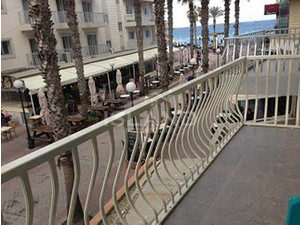3 bedroom apartment - bugibba - €700 - Appartements