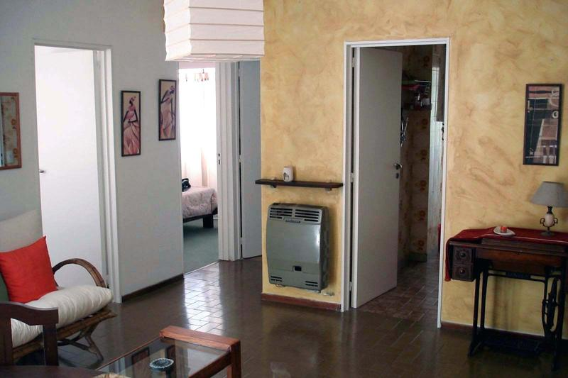 Cozy And Bright 2 Bedroom Apartment. Great Location: For ...