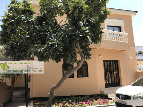 Bahrain Villa for rent in Juffair. Furnished villa - Rumah