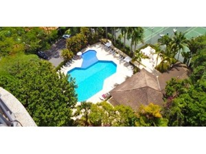 Condo apartment featuring 4 full suite and full leisure area - Pisos