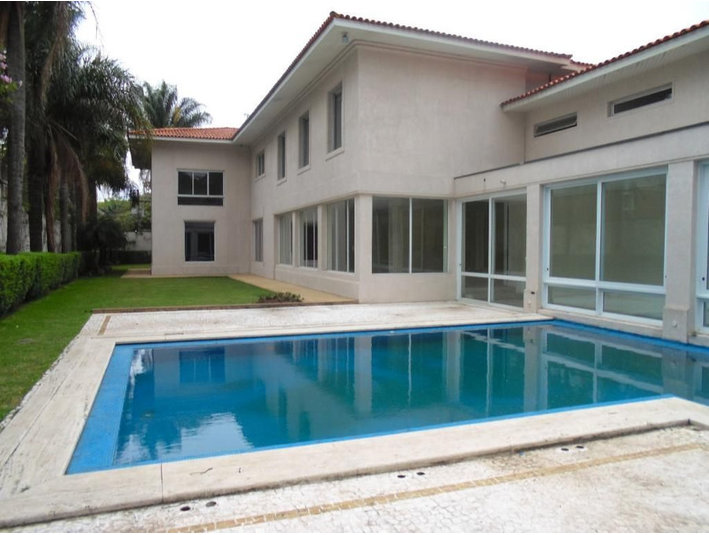 Luxe spacious modern 4 suites duplex house with full leisure - Case