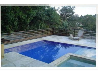 Gated community duplex house 5 suites lift garden and pool - Casas