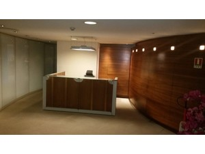 Modern floor space in a well located commercial building - Office / Commercial