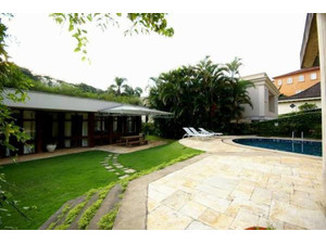Amazing 1650m² 5 suites duplex house with lift and garage (2) - Houses