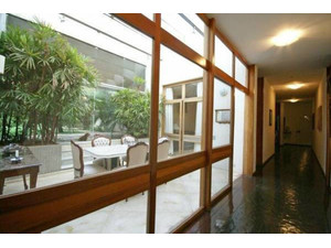 Amazing 1650m² 5 suites duplex house with lift and garage (8) - Houses