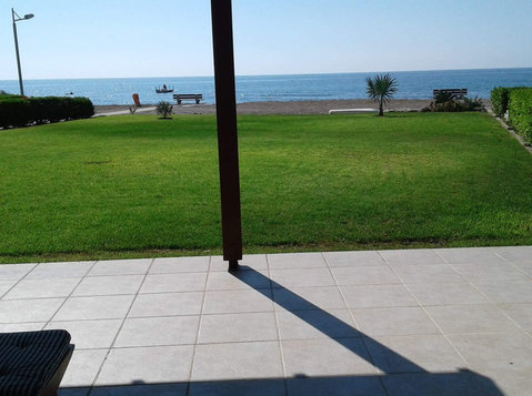 Beach Front House for Rent - Kuće