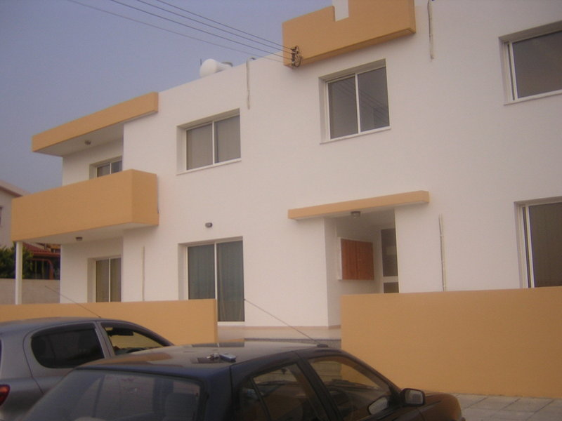 3 bedroom flatfor rent kolossi village ground floor for - 3 bedroom houses and apartments for rent ...