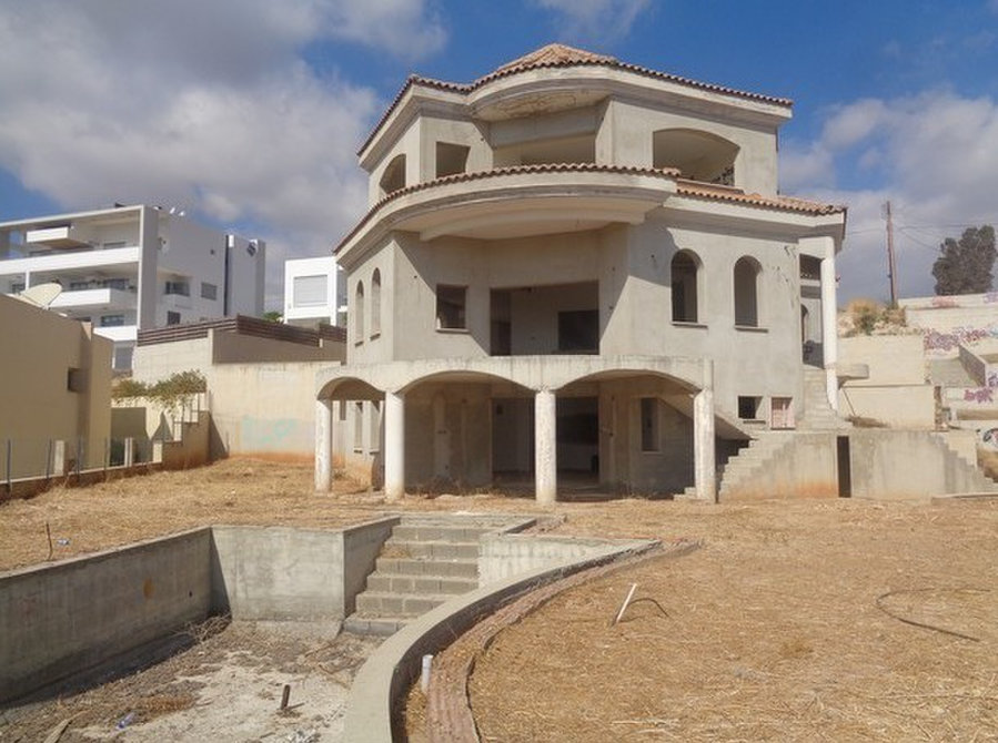 7 Bedroom Villa with 1000m2 cov on Plot of 1500m2 - Houses