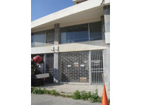 For sale shop 45m2 in Naafi center of Limassol Cyprus - Γραφείο/Εμπορικός