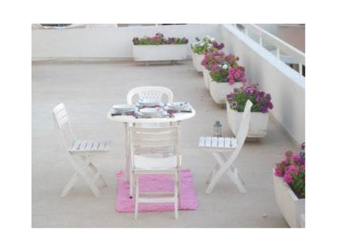 Luxurious Student penthouse share- Located centrally Nicosia - Flatshare