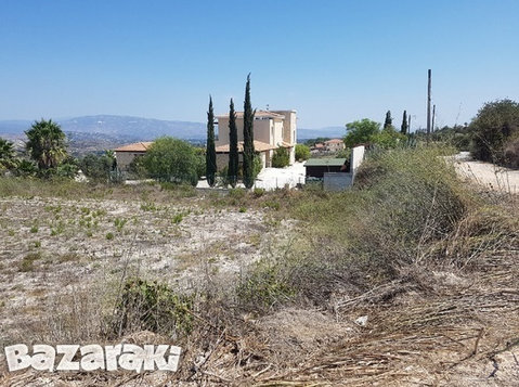 Land 2609sq.m in Stroumpi Village - Paphos Cyprus - Οικόπεδα
