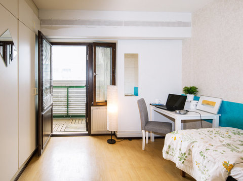 Neat, Clean and Fully Furnished Rooms in Central Helsinki - Collocation