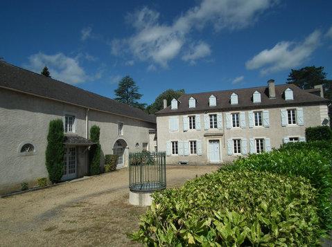 Maison de Maitre & enormous converted barn - Houses