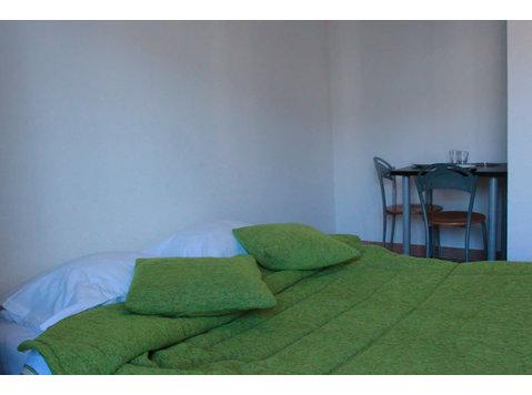 Impasse de l'Épi, Avignon : 1355809 - Apartments