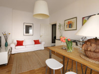 607 | Charming apartment with balcony near Torstr. – Mitte